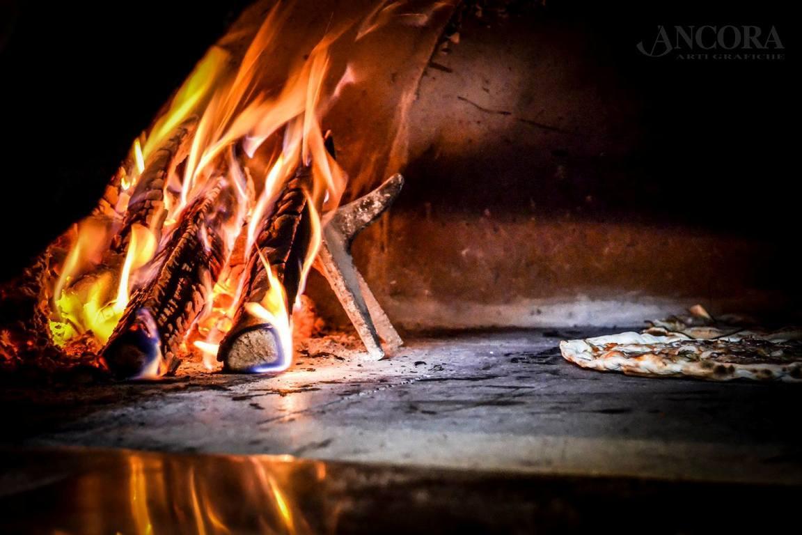 fours préfabriqués pour pizzeria
